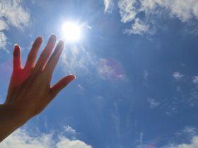 UVケアしても汗ですぐ落ちる!顔だけでなく手足・首など全身紫外線対策のコツは?